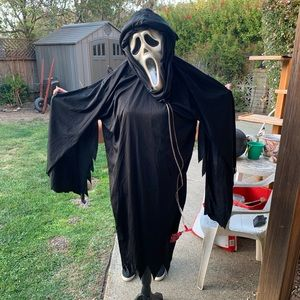 Scream outfit